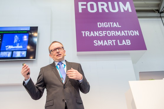The issue of digital interfaces was put to the practical test at the new Forum Digital Transformation in Hall B2