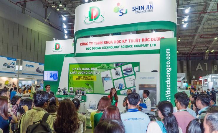 Booth Shin Jin