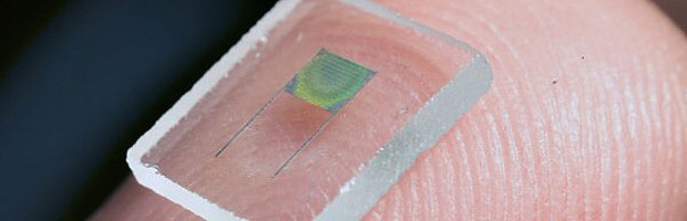 Holography makes microbatteries
